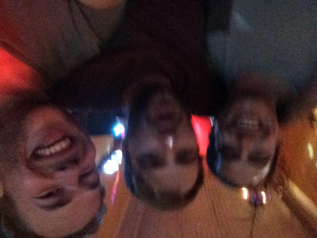 Onze beerpong overwinningen vieren met Pablo, wat een feest, we waren er helemaal ondersteboven van.